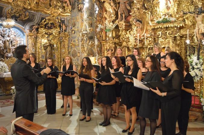 Coro del Colegio de San Francisco de Paula. Capilla San José de Sevilla. Sevilla turismo. Sevilla en Mayo. Música, barroco, retablo, cultura.